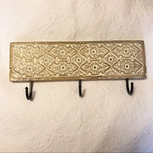 Wall hang carved wood with three hooks